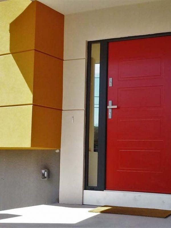 drzwi zewnętrzne piła czerwone